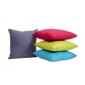 Cuscini in poliestere colorati 1,83 €